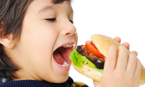 Употребление некачественной пищи
