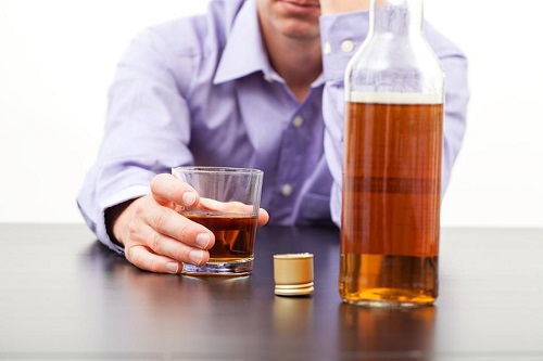 Чрезмерное употребление алкоголя